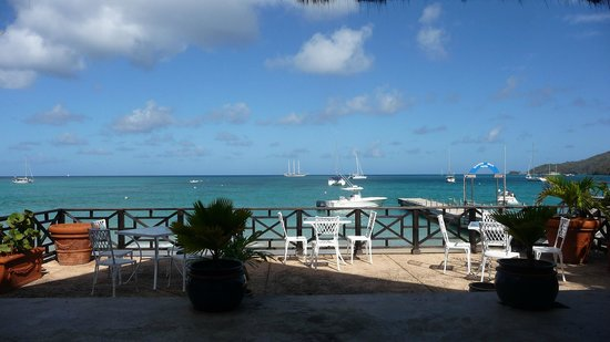 Tamarind Beach Hotel & Yacht Club: View from the Pirate Cove restaurant