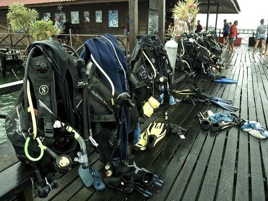 Scuba Junkie Mabul Beach Resort : Scuba gear on the Jetty in Mabul
