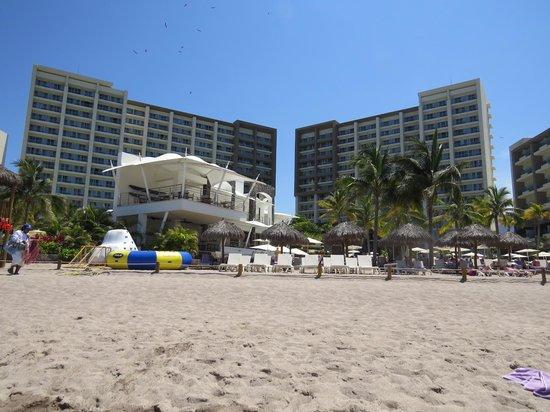 Now Amber Puerto Vallarta: l'hôtel vue de la mer