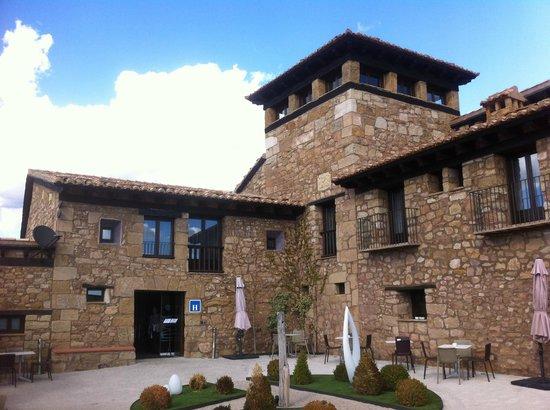 Hotel Restaurante Masia la Torre: the hotel