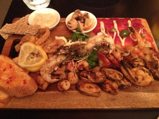 The Olive Press Bistro & Bar: seafood mezze