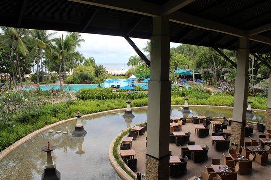 Shangri-La's Rasa Ria Resort & Spa: Main breakfast/evening dining area