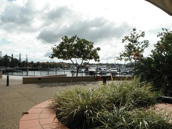 Fiction Bar & Restaurant: Raby Bay Marina