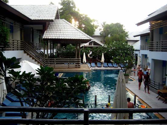 Ramada Phuket Southsea : бассейн отеля