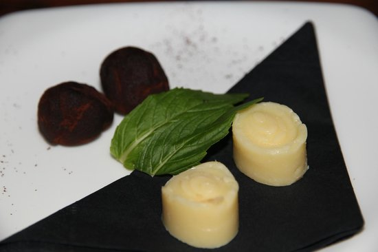 Chefz Table: Petit Fours