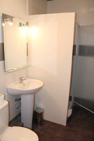 Hotel De France : Salle de bain