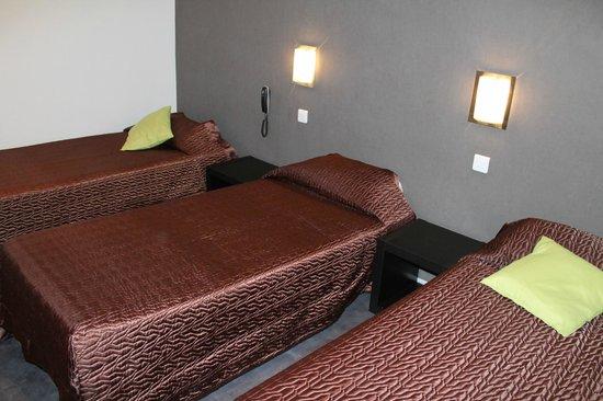 Hotel De France : Chambre triple