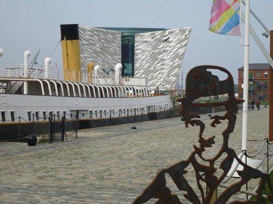 Premier Inn Belfast Titanic Quarter Hotel: Titanic centre outside hotel