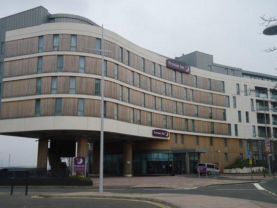 Premier Inn Belfast Titanic Quarter Hotel: Hotel front