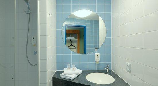 B&B Hotel Darmstadt: Badezimmer