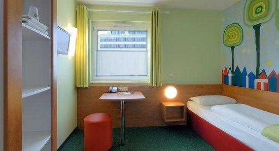 B&B Hotel Darmstadt: Barrierefreies Zimmer