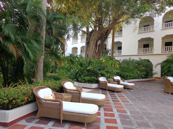Hotel Caribe : Jardin interior