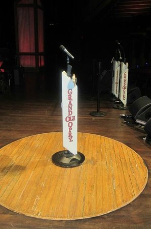 The Grand Ole Opry: On stage 'the Mic'