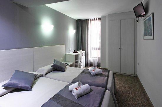 Photo of Hotel Nuevo Triunfo Barcelona