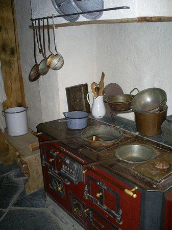 Heidiland: Küche im Heidihaus