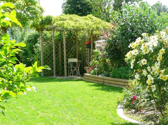 Le jardin des nosi res b b le boup re france voir les for Le jardin 19