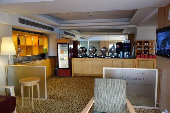 Courtyard by Marriott Chennai : Lounge
