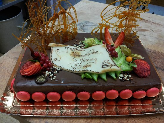 Gateau D Anniversaire Royal Chocolat Photo De Breton Traiteur