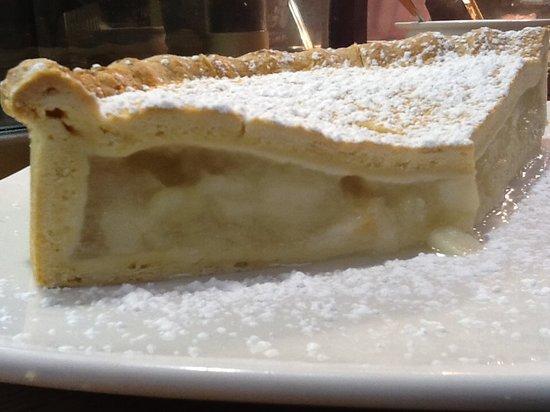 Riverhouse Restaurant: Our Delicious Homemade Apple Tart
