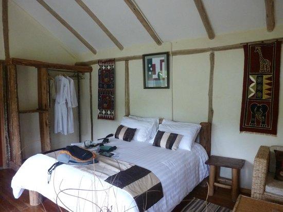 Gorilla Safari Lodge : The bedroom