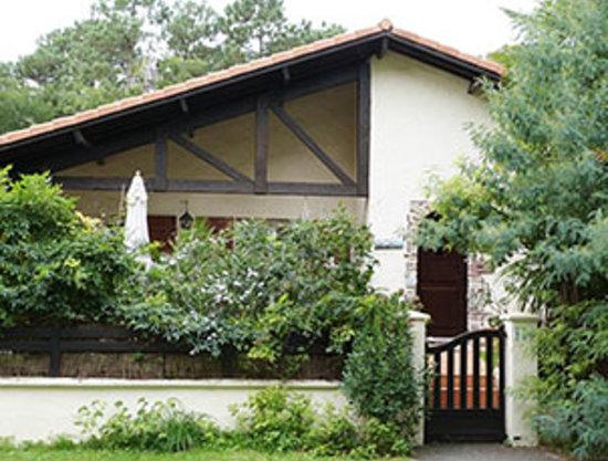 Chambres D'hotes Villa Zaphira : FACADE