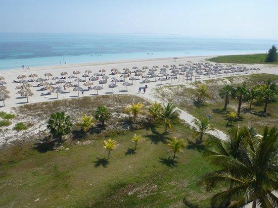 Blau Marina Varadero Resort: The quiet beach as seen from the lighthouse