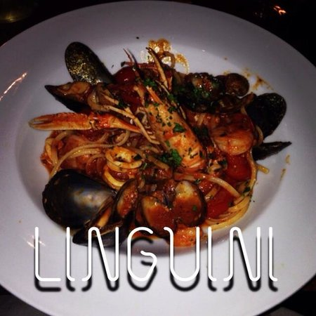 Superkoselig restaurant. Intimt og god stemning! Kan absolutt anbefale Linguini på det varmeste!