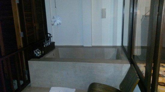 Peace Resort: Badewanne auf der terasse! Deluxe DZ