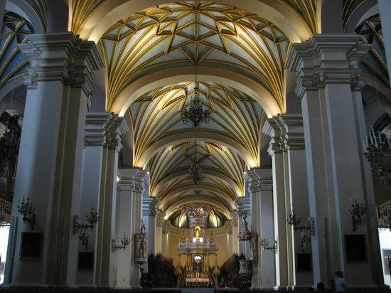 Iglesia y Convento de San Francisco : Espetacular cobertura da igreja