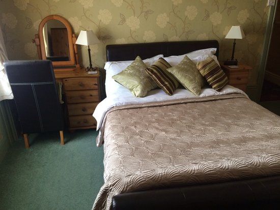 The Bromley: Standard double, ensuite room