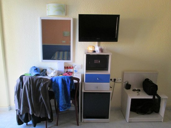 Servigroup Rialto: The dressing table,Tv and Mini Fridage with safety deposit box included!