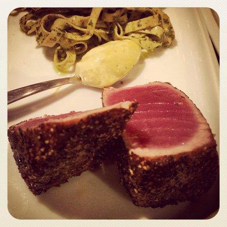 Raggio Cucina Casual: Seared Tuna. Follow us on Instagram @RAGGIOCASUAL