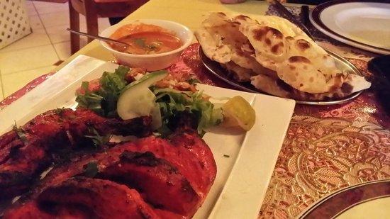 Razmataz : Tandoori-Chicken (halbes Hühnchen)