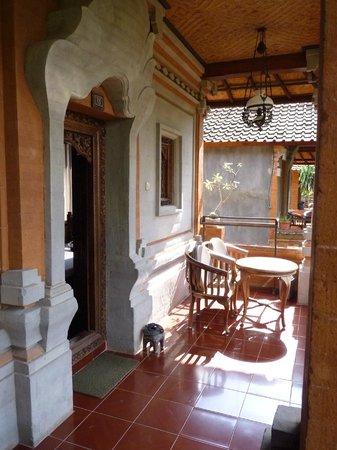 Ubud Bungalow: entrée bungalow classique
