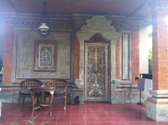 Ubud Bungalow: entrée bungalow supérieur