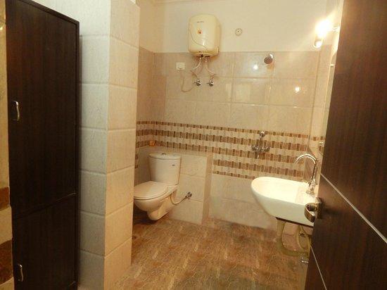 Hotel Gaylord India : Executive Bathroom