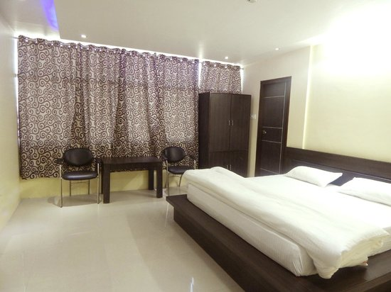 Hotel In Lucknow Near Charbagh