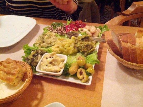 Sidika Meze Besiktas: Mezze platter