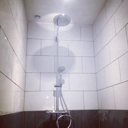 Le Ryad Boutique Hôtel: douche maison