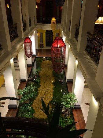 Shanghai Mansion Bangkok: Halle