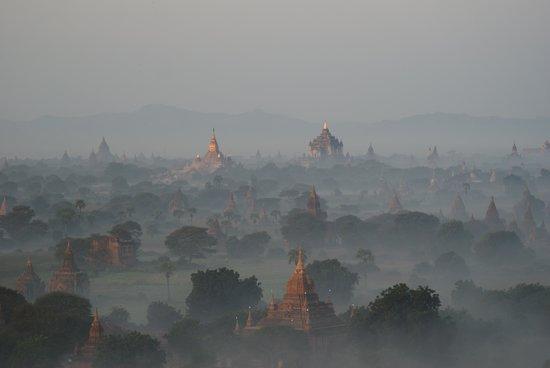Balloons over Bagan: ohne Worte
