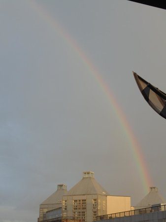Maldron Hotel Smithfield : rainbow from our room