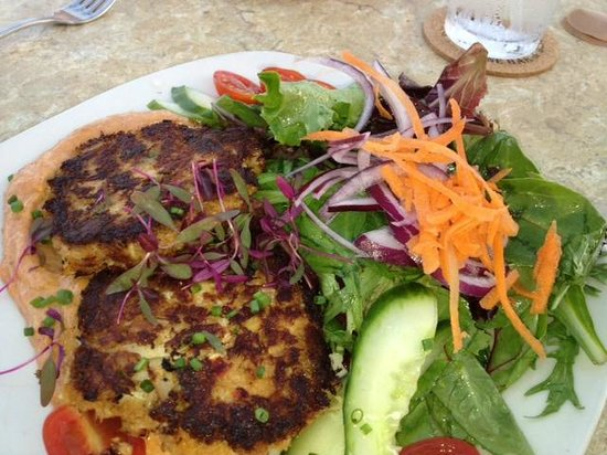 Beach Road Wine Bar and Bistro: Crabcakes