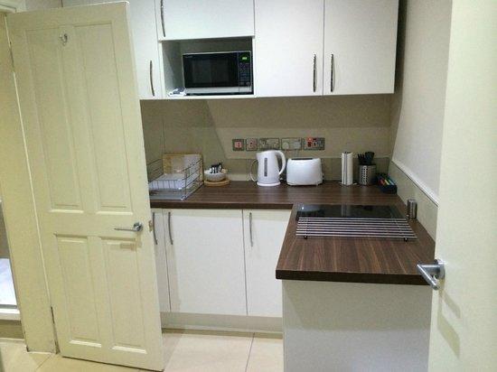 Palmerston Suites: cucinotto
