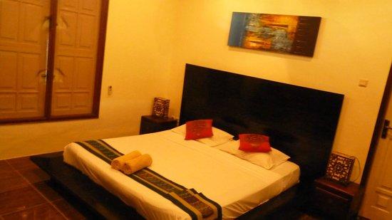 Pesona Beach Resort & Spa : chambre