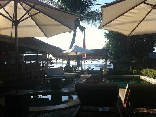 Pesona Beach Resort & Spa: vue depuis le petit dejeuner