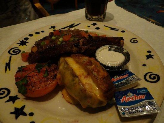 Atlantis Paradise Island - Atlas Grill & Bar: Très bon et assiettes généreuses !!
