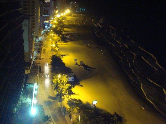 Hotel Capilla del Mar : Vista desde la habitación a la noche... hermoso!