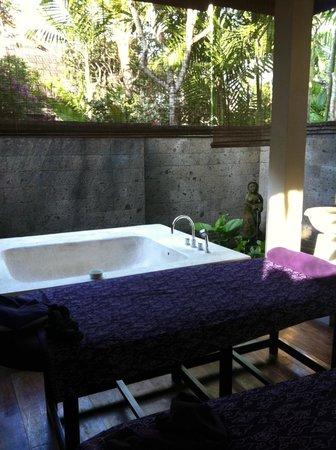 Kamuela Villas and Suite Sanur: spa