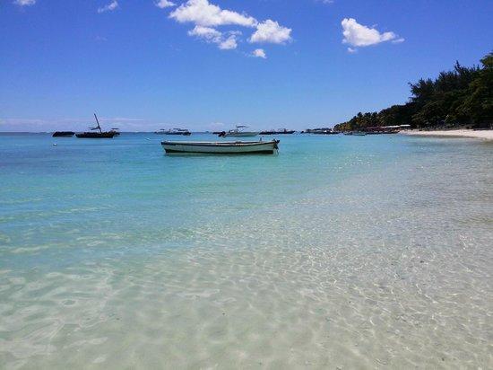 Le Cardinal Exclusive Resort: Paradisischer Strand mit kristallklarem Wasser